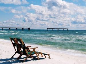 beach-427646_640 (1)
